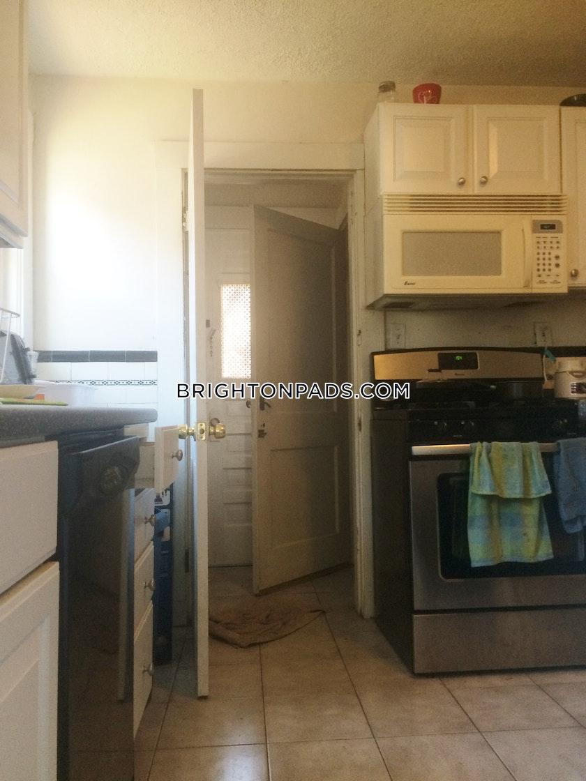 4 Bed Apartment For 3 255 Mo In Boston Brighton