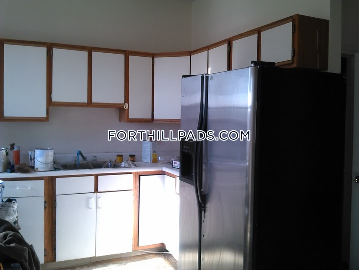 BOSTON - FORT HILL - 4 Beds, 1.5 Baths - Image 9