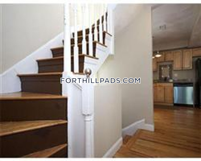BOSTON - FORT HILL - 5 Beds, 2 Baths - Image 11