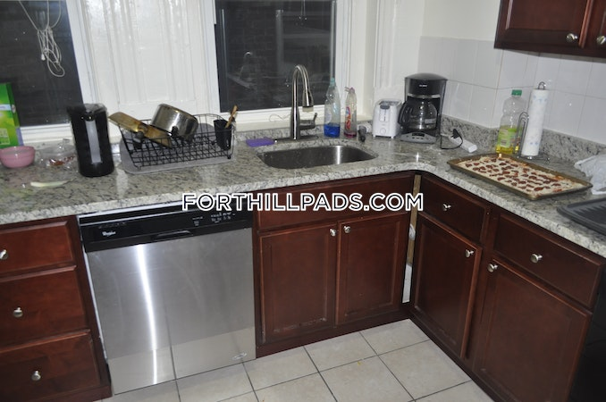 Fort Hill Apartment for rent 4 Bedrooms 1 Bath Boston - $3,000