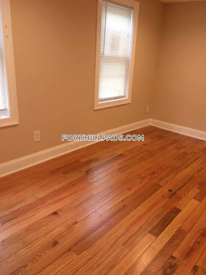 Boston - Fort Hill - 3 Beds, 1.5 Baths - $3,150