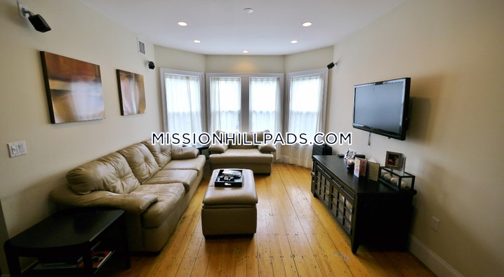Boston - Mission Hill - 3 Beds, 2 Baths - $3,900