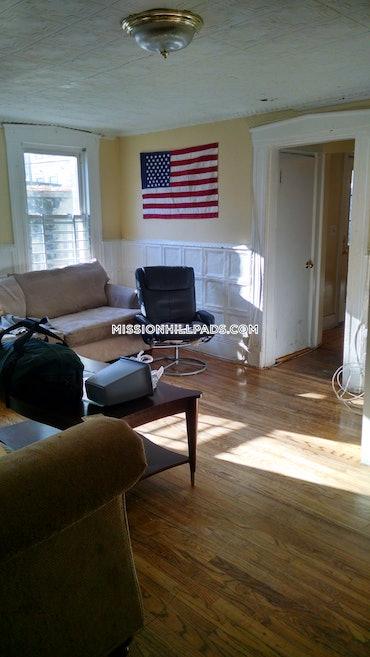 Mission Hill, Boston, MA - 6 Beds, 3 Baths - $6,500 - ID#462379