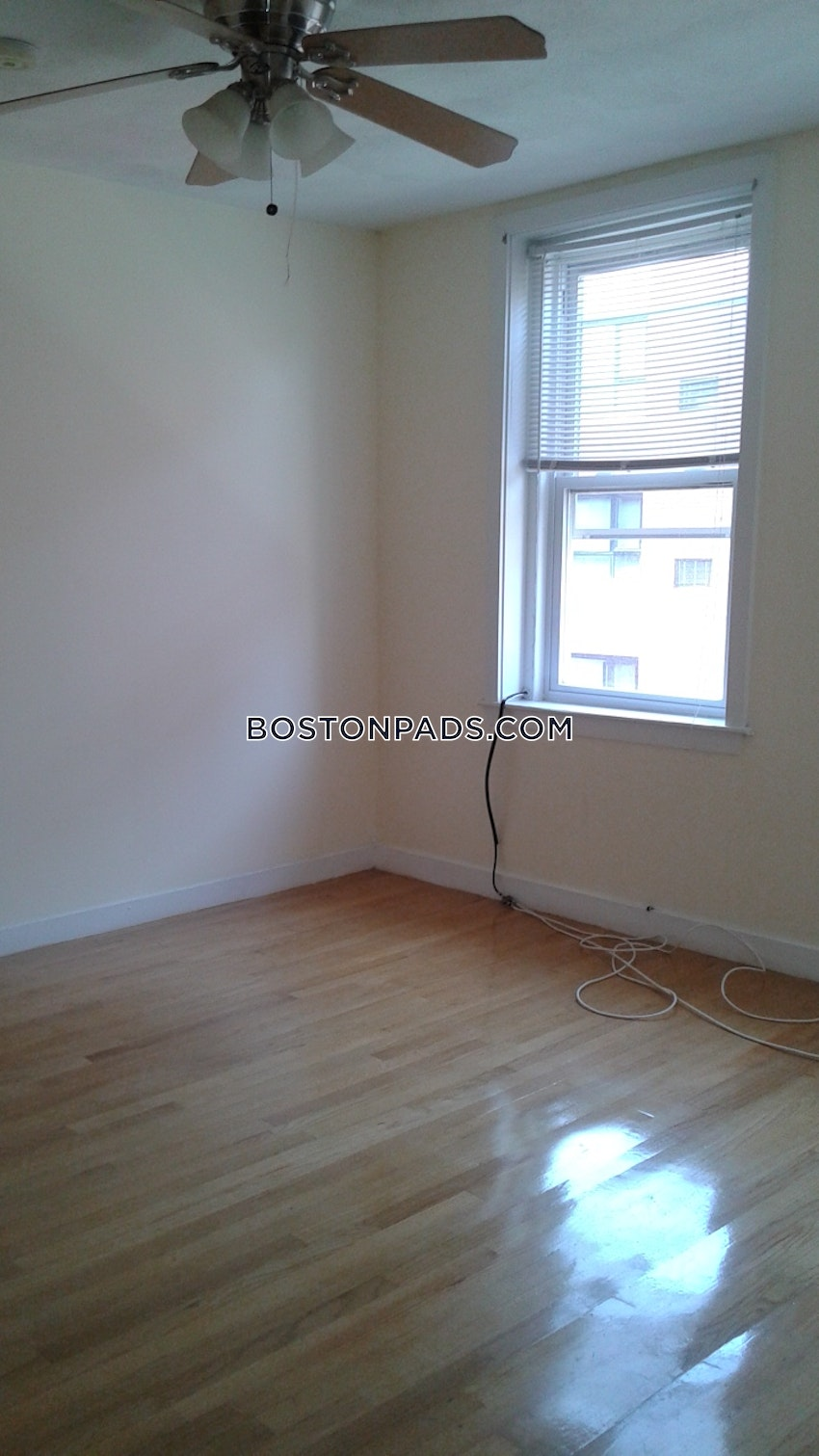 BOSTON - NORTH END - 2 Beds, 1 Bath - Image 4