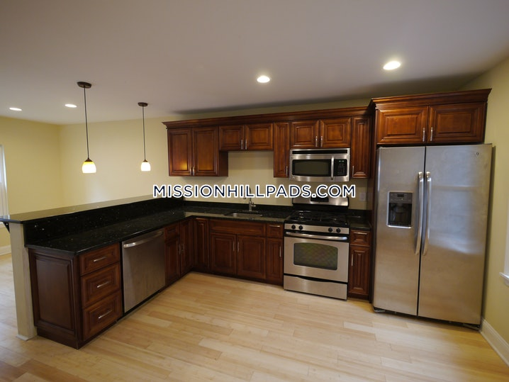 Boston - Fort Hill - 4 Beds, 2 Baths - $3,650
