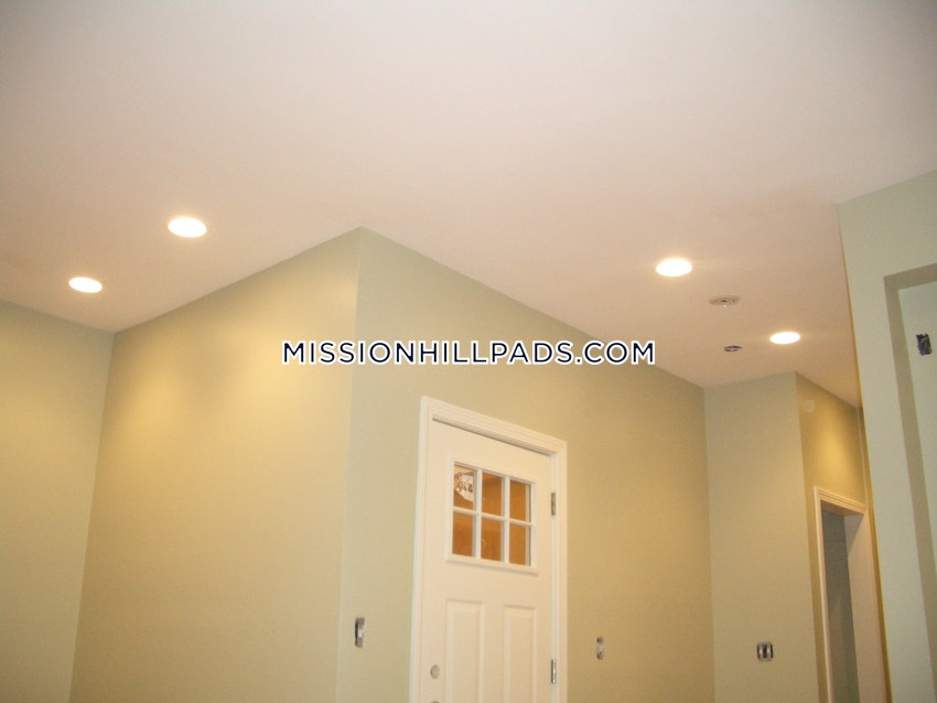 BOSTON - ROXBURY - 1 Bed, 1 Bath - Image 8