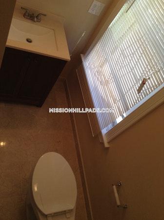 Roxbury Apartment for rent 2 Bedrooms 2 Baths Boston - $2,395