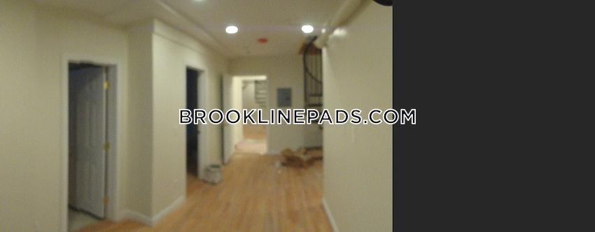 BROOKLINE- BOSTON UNIVERSITY - 3 Beds, 2 Baths - Image 11