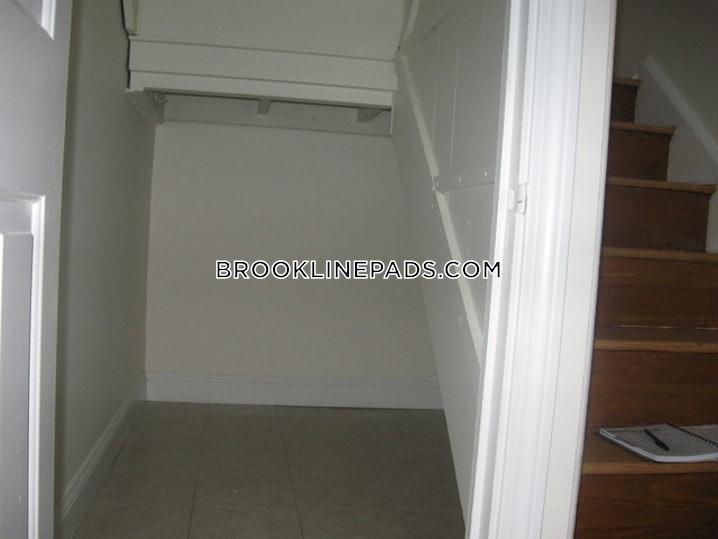 Brookline - Chestnut Hill - 1 Bed, 1 Bath - $2,530