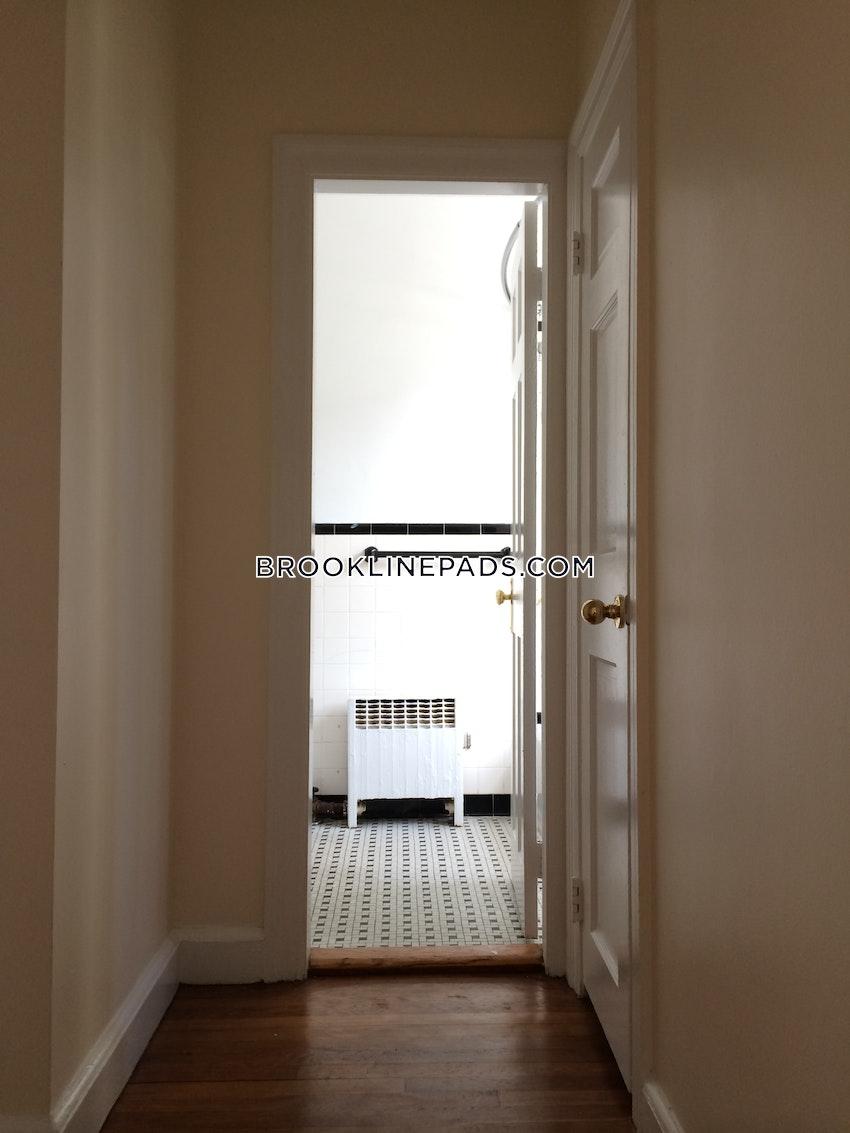 BROOKLINE- COOLIDGE CORNER - 1 Bed, 1 Bath - Image 9