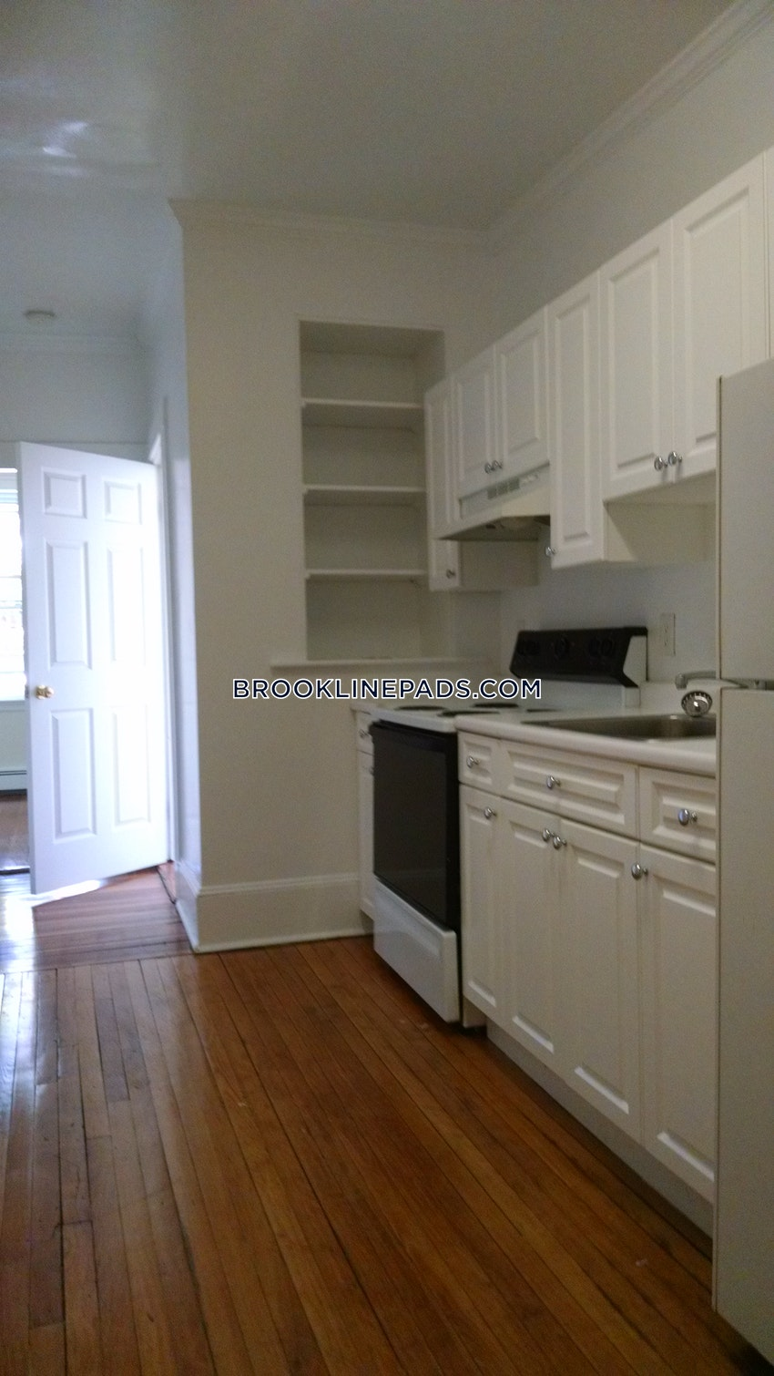 BROOKLINE- WASHINGTON SQUARE - 2 Beds, 1 Bath - Image 4