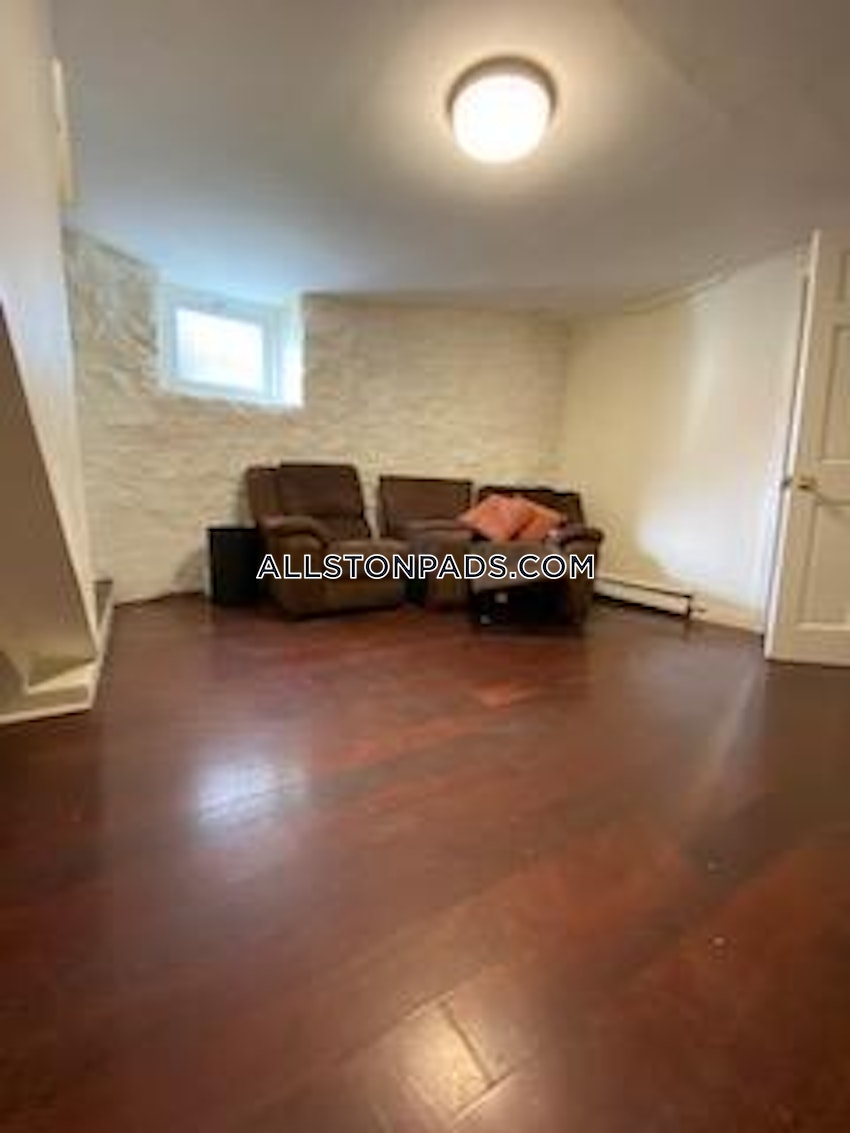 BOSTON - ALLSTON - 6 Beds, 2 Baths - Image 9