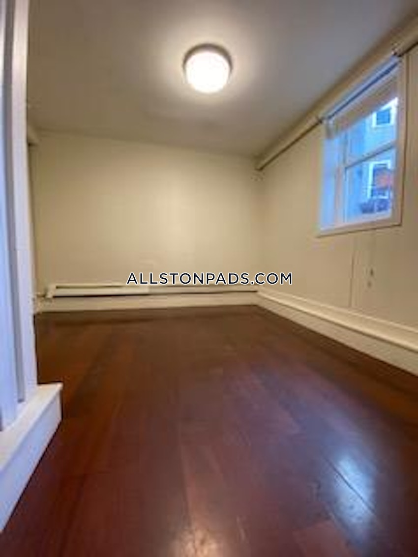 BOSTON - ALLSTON - 6 Beds, 2 Baths - Image 7