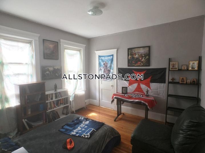 Boston - Allston - 4 Beds, 2 Baths - $4,100