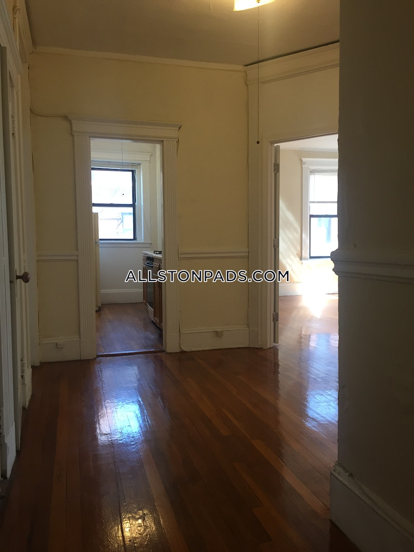 BOSTON - ALLSTON - 3 Beds, 1 Bath - Image 9