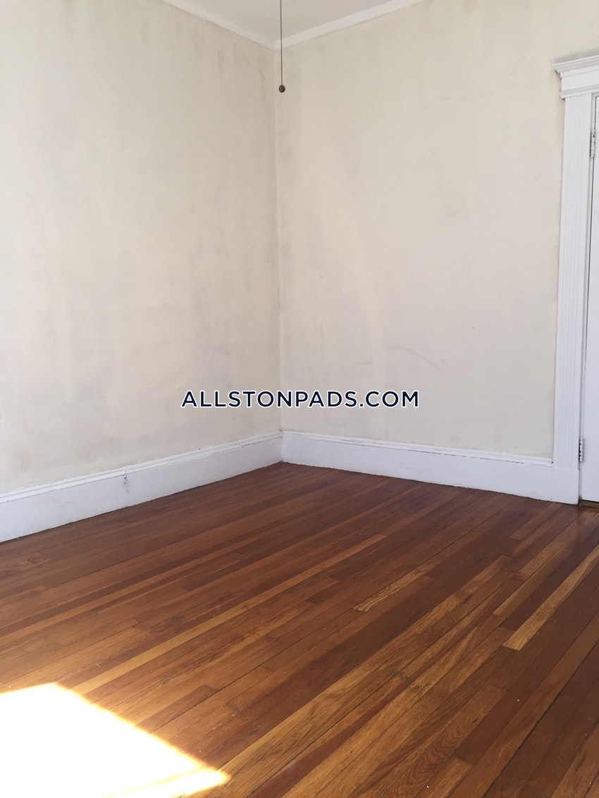 BOSTON - ALLSTON - 3 Beds, 1 Bath - Image 7