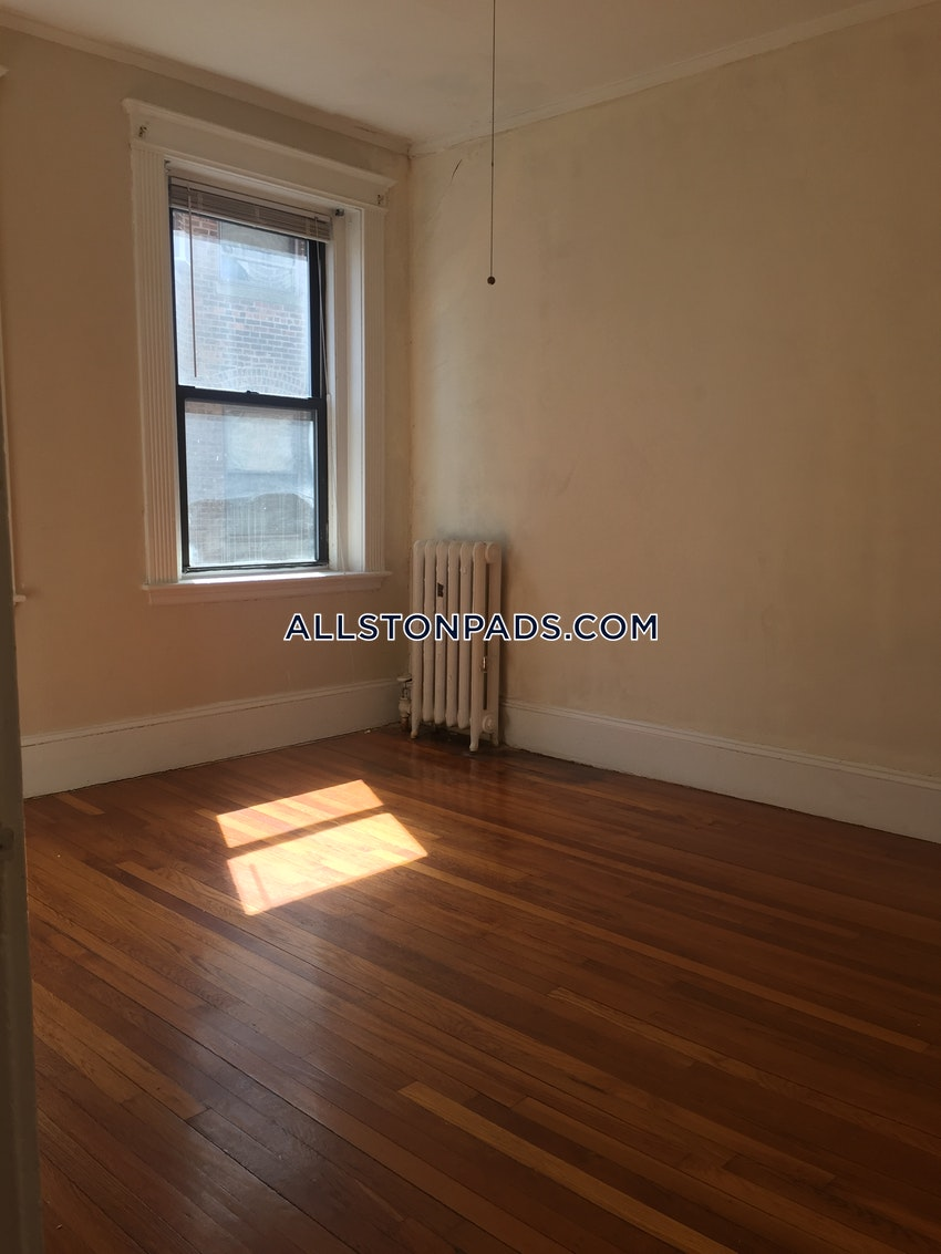 BOSTON - ALLSTON - 3 Beds, 1 Bath - Image 6