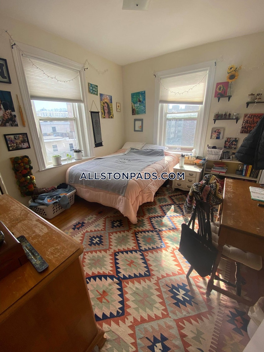 BOSTON - ALLSTON - 4 Beds, 1 Bath - Image 3