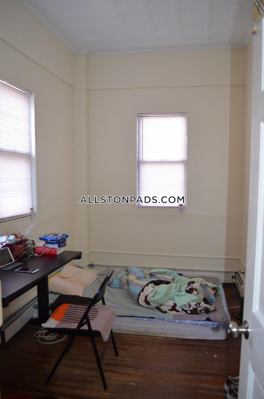 3 Bed Apartment For 2 850 Mo In Boston Allston Boston