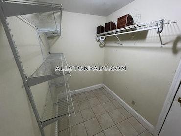 Allston/Brighton Border, Boston, MA - 3 Beds, 1 Bath - $2,750 - ID#3812632