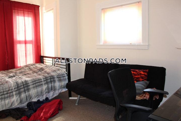 Boston - Allston - 3 Beds, 1 Bath - $2,700