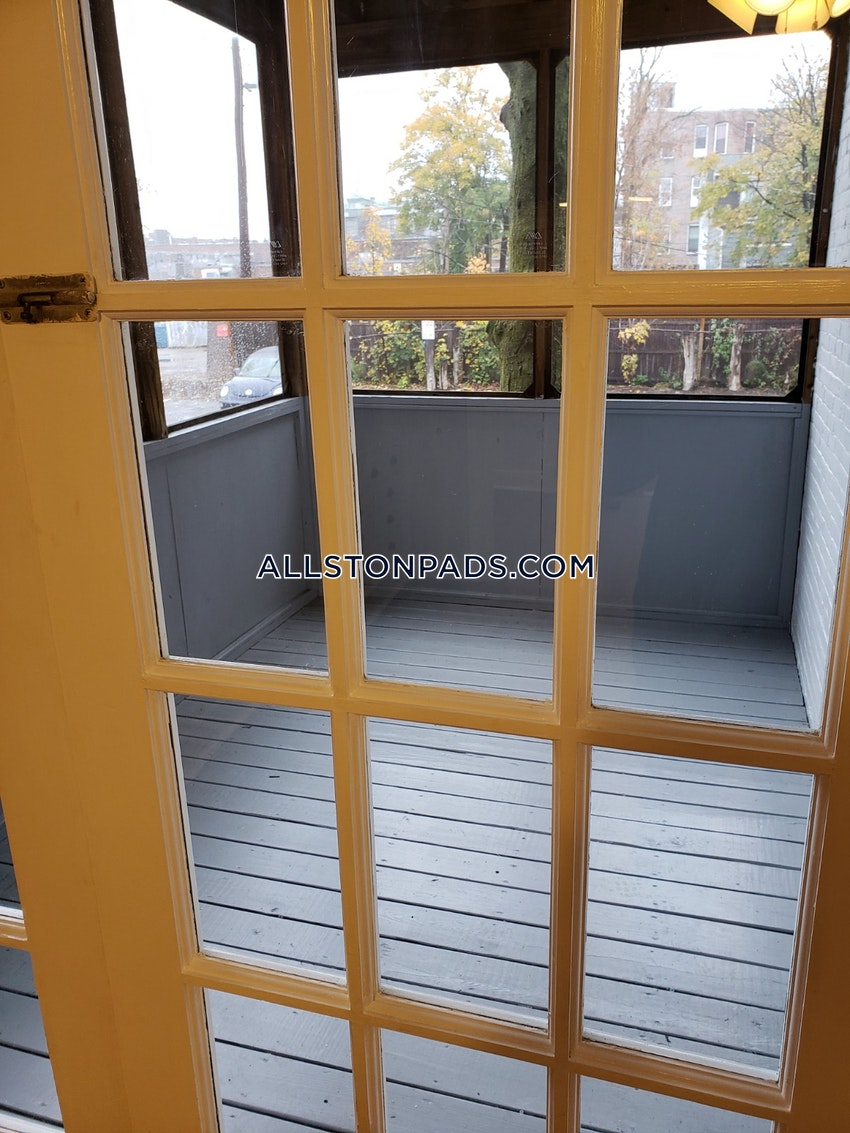 BOSTON - ALLSTON - 3 Beds, 1 Bath - Image 3