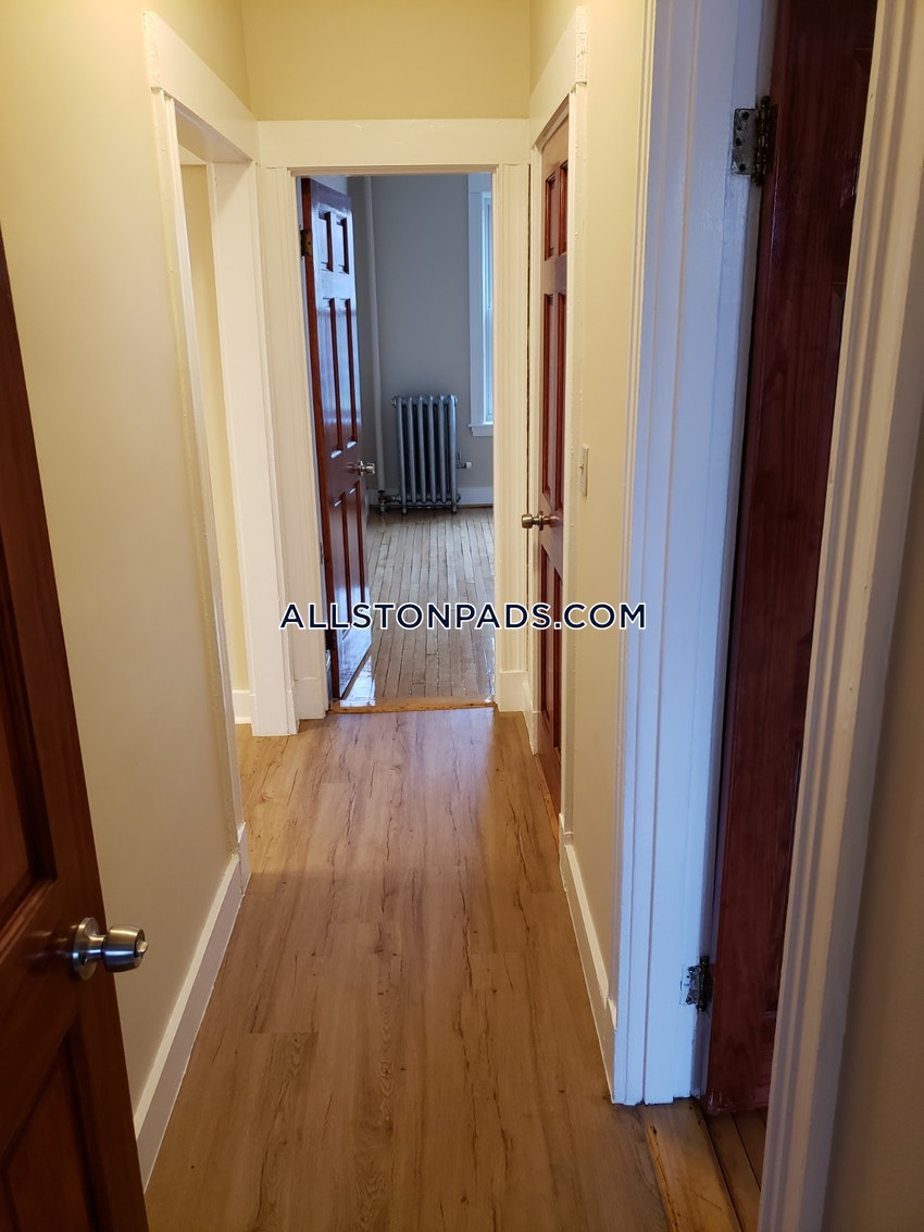 BOSTON - ALLSTON - 3 Beds, 1 Bath - Image 4