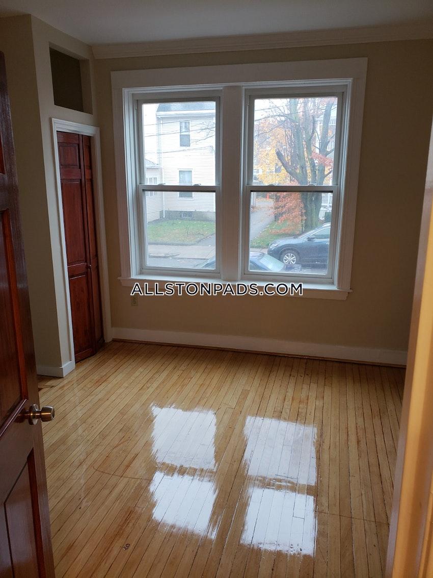 BOSTON - ALLSTON - 3 Beds, 1 Bath - Image 7