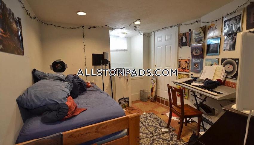 BOSTON - ALLSTON - 5 Beds, 3 Baths - Image 7