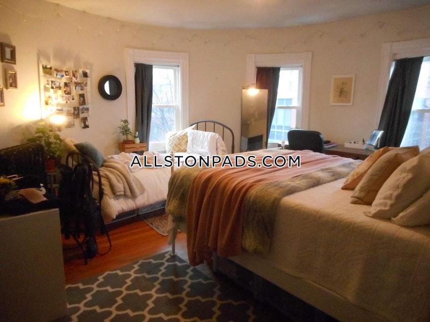 BOSTON - ALLSTON - 4 Beds, 1 Bath - Image 10