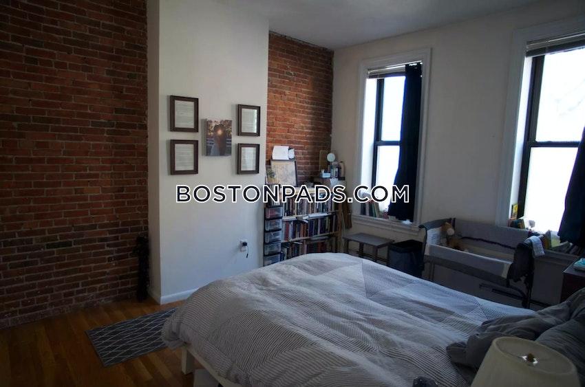 BOSTON - BAY VILLAGE - 1 Bed, 1 Bath - Image 3