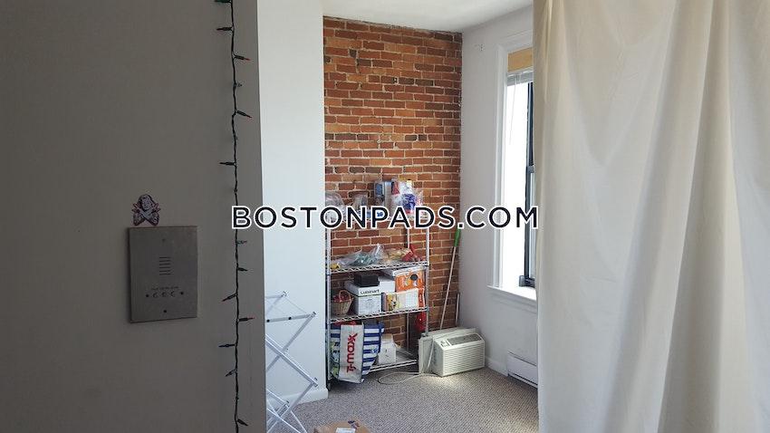 BOSTON - BAY VILLAGE - 3 Beds, 1.5 Baths - Image 10