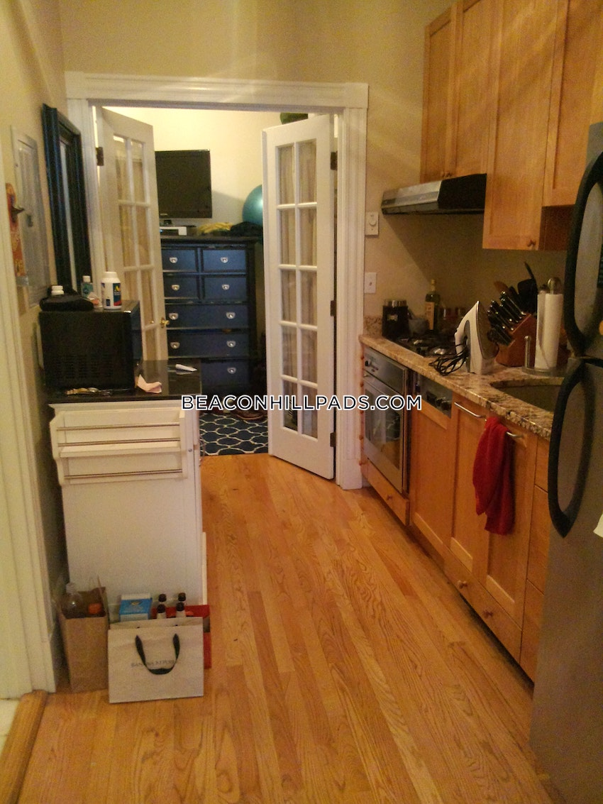 BOSTON - BEACON HILL - 1 Bed, 1 Bath - Image 3