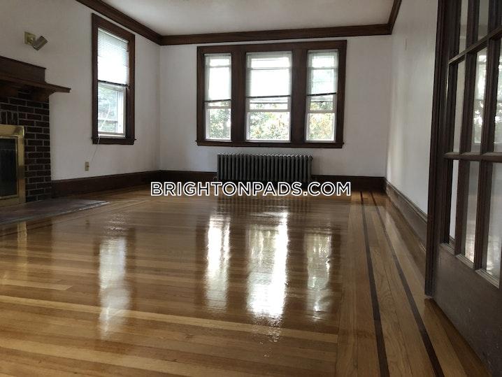 BOSTON - BRIGHTON - BOSTON COLLEGE - 8 Beds, 3.5 Baths - Image 9