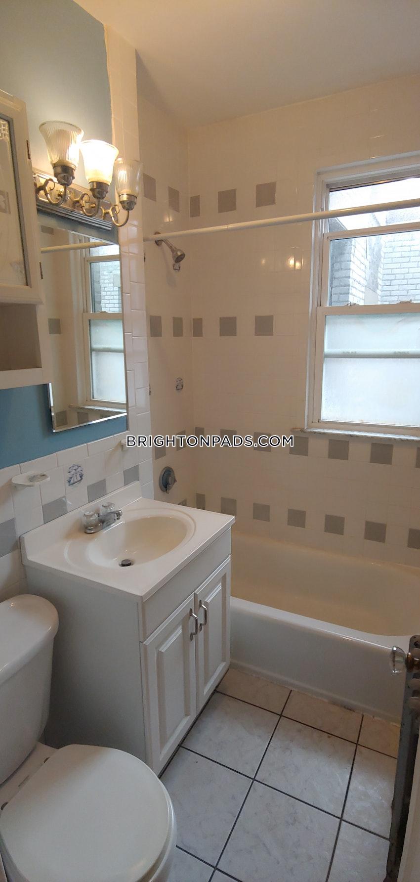 BOSTON - BRIGHTON - BOSTON COLLEGE - 1 Bed, 1 Bath - Image 11