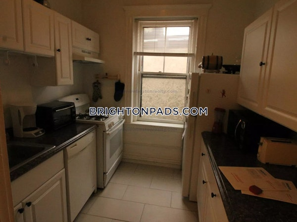 Brighton Apartment for rent 1 Bedroom 1 Bath Boston - $1,975