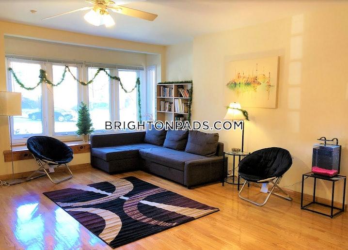 Boston - Brighton - Cleveland Circle - 4 Beds, 2 Baths - $4,000