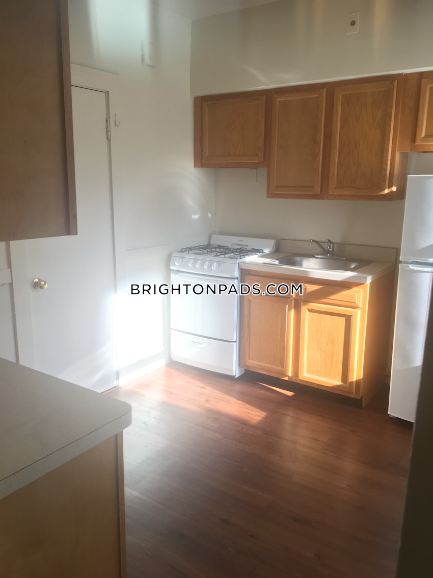 BOSTON - BRIGHTON - CLEVELAND CIRCLE - 2 Beds, 1 Bath - Image 3