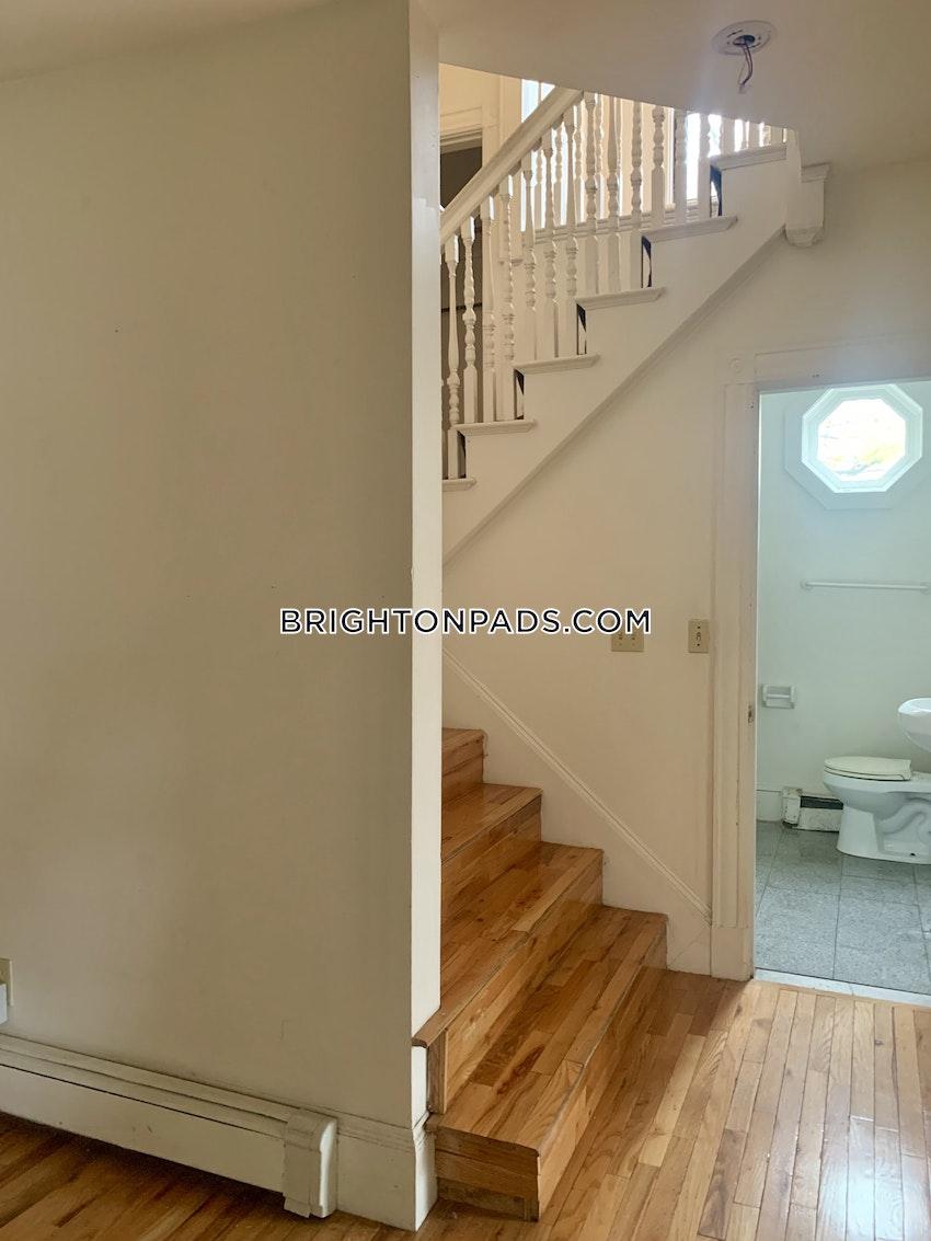 BOSTON - BRIGHTON - CLEVELAND CIRCLE - 5 Beds, 2 Baths - Image 8