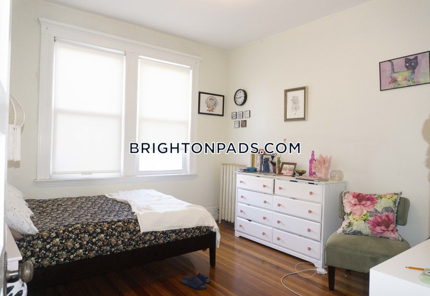BOSTON - BRIGHTON - BOSTON COLLEGE - 5 Beds, 1 Bath - Image 11