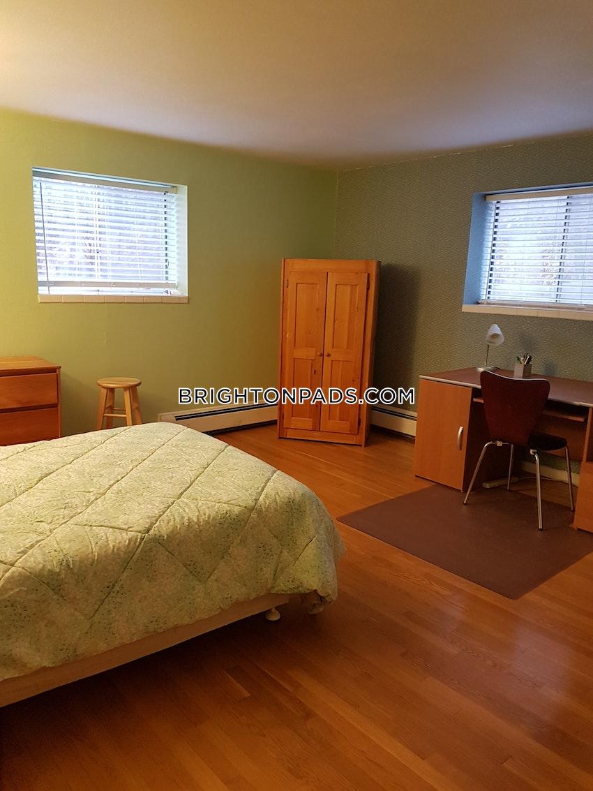 BOSTON - BRIGHTON - OAK SQUARE - 1 Bed, 1 Bath - Image 11