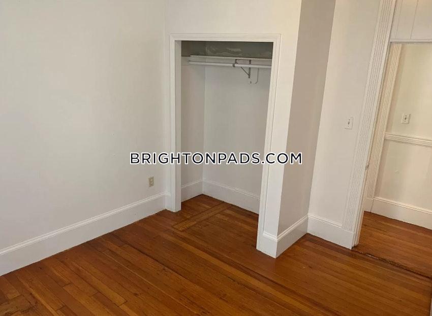 BOSTON - BRIGHTON - OAK SQUARE - 4 Beds, 1.5 Baths - Image 16