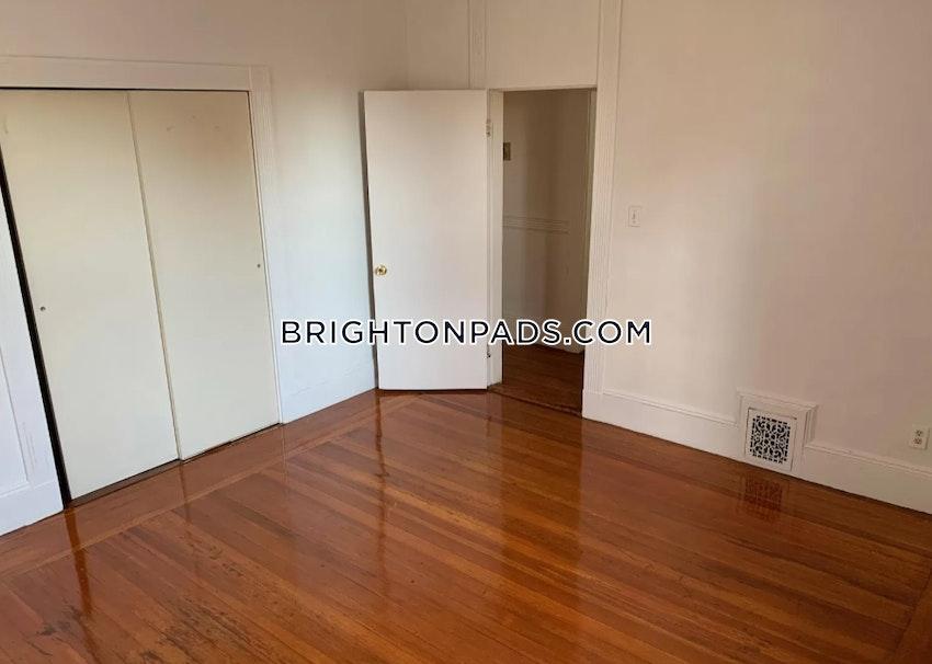 BOSTON - BRIGHTON - OAK SQUARE - 4 Beds, 1.5 Baths - Image 10