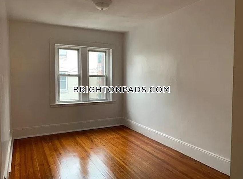 BOSTON - BRIGHTON - OAK SQUARE - 4 Beds, 1.5 Baths - Image 12