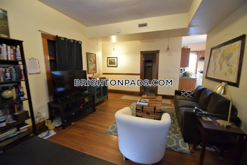 BOSTON - BRIGHTON - OAK SQUARE - 4 Beds, 2 Baths - Image 1