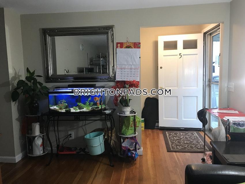 BOSTON - BRIGHTON - OAK SQUARE - 3 Beds, 1 Bath - Image 7