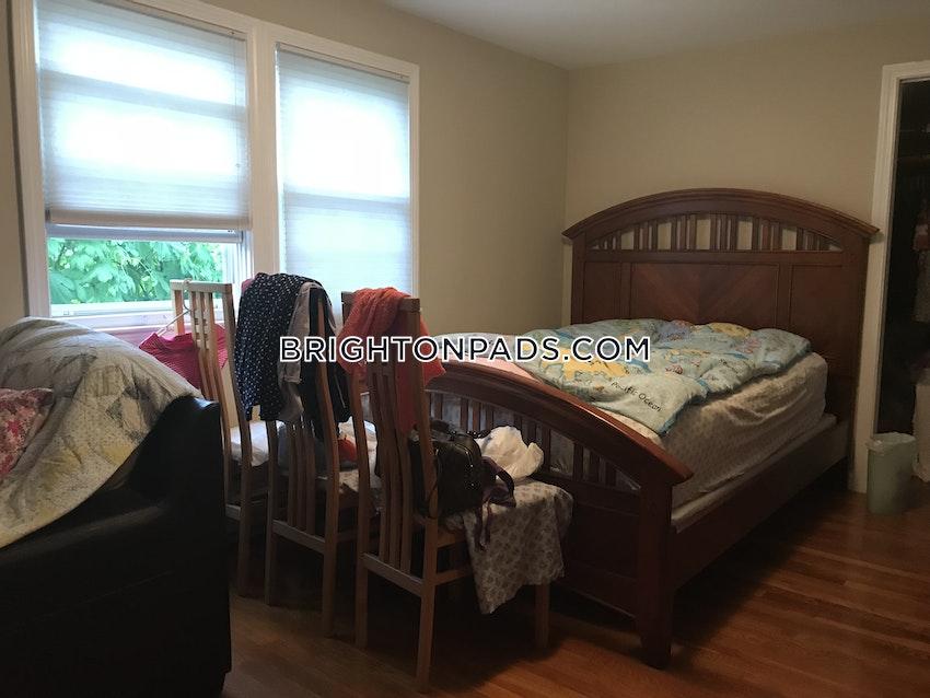 BOSTON - BRIGHTON - OAK SQUARE - 3 Beds, 1 Bath - Image 5