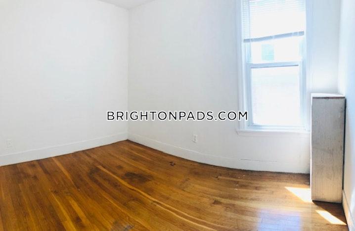 BOSTON - BRIGHTON - OAK SQUARE - 4 Beds, 1 Bath - Image 5