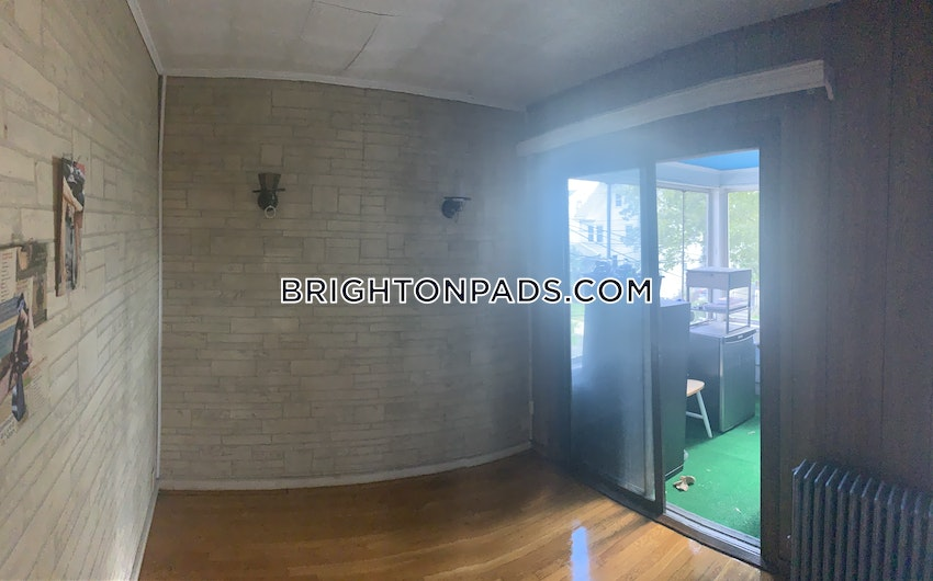 BOSTON - BRIGHTON - OAK SQUARE - 4 Beds, 1 Bath - Image 7