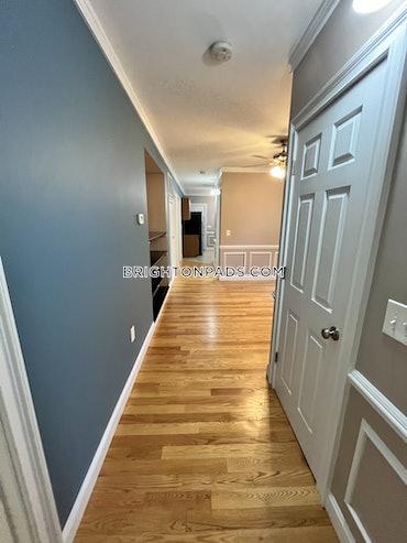 Newton Corner, Newton, MA - 2 Beds, 1 Bath - $3,300 - ID#3826222